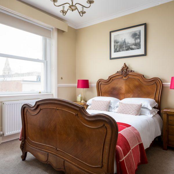 Crossways Guest House - double en-suite room (4)